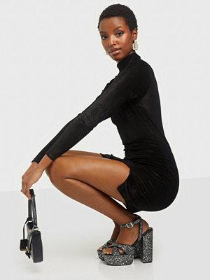 Glamorous Long Sleeve Rib Velvet Dress