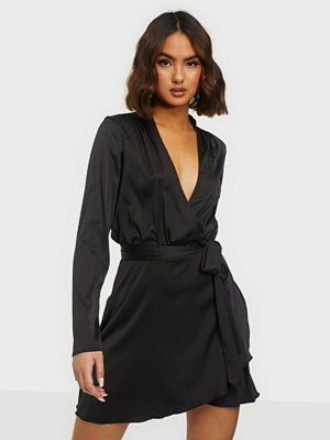 NLY Trend Belted Wrap Dress