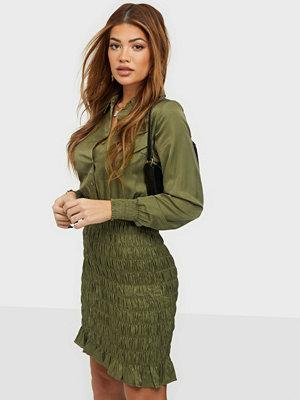 Vero Moda VMZADIA SHORT LS SMOCK DRESS FX