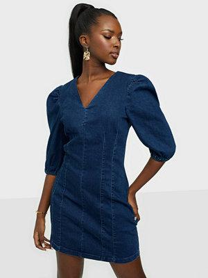 Vero Moda VMAIMEE V-NECK SHORT DENIM DRESS