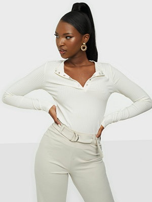 NLY Trend Light Rib Button Top