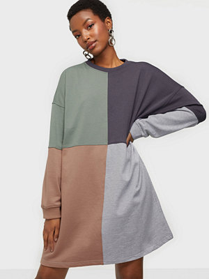Missguided Oversized Sweater Dress