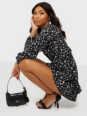 Missguided Frill Waist V Neck Smock Dress