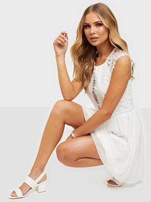 Festklänningar - NLY Trend So Good Cap Sleeve Dress