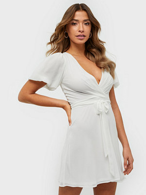 NLY Trend Puff Sleeve Dress