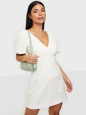 Forever New Emilia Puff Sleeve Mini Dress