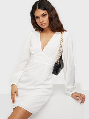 Glamorous Nelly x Glamorous Crepe Mini Dress