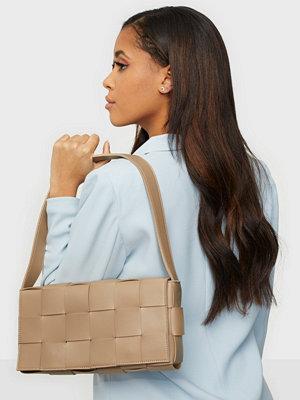 NLY Accessories beige väska Say No More Bag