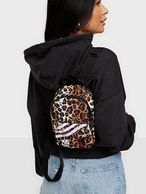 Adidas Originals mönstrad väska BACKPACK CL GR