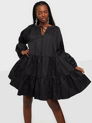 Glamorous Long Sleeve Dress