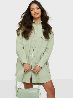 Missguided Contrast Stitch Belted Denim Dress