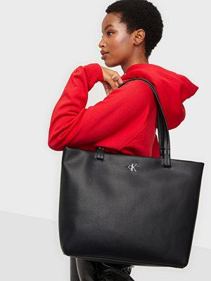 Calvin Klein Jeans väska SOFT SHOPPER 29