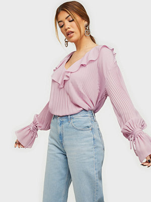 NLY Trend Tied To You Blouse