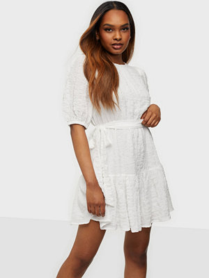 NLY Trend Amaze Me Puff Dress