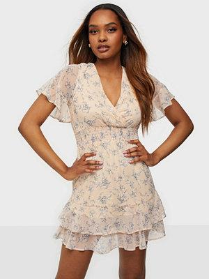 NLY Trend Make Me Pretty Dress