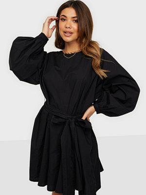Vero Moda VMKARLALY LS SHORT DRESS WVN GA
