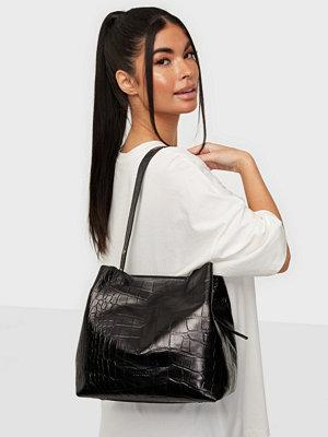 NuNoo svart mönstrad väska Chiara croco deluxe