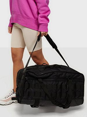 Nike svart väska NK RPM DUFF