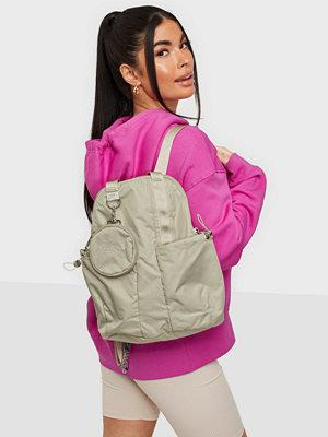 Nike omönstrad väska W NSW FUTURA LUXE MINI BKPK