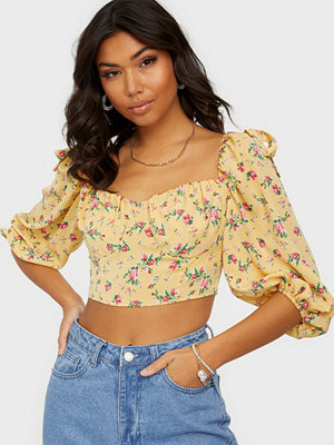 Missguided Floral Puff Sleeve Crop Top