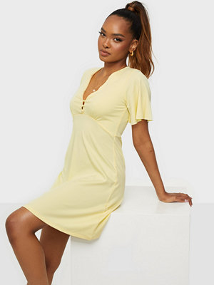 NLY Trend Flare Sleeve Button Dress