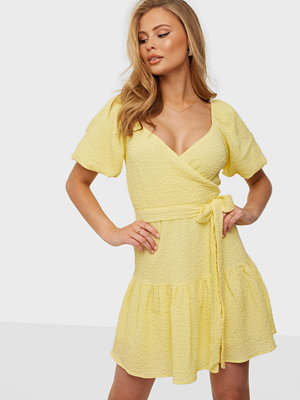 NLY Trend Structured Wrap Dress