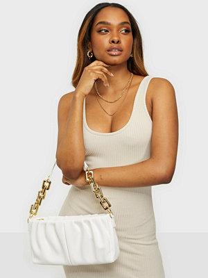 NLY Accessories vit väska Marshmallow Chain Bag