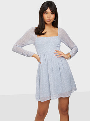 NLY Trend Love It Volume Dress
