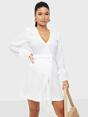 NLY Trend Wrap Balloon Sleeve Dress