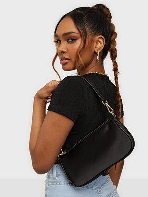NLY Accessories svart väska It Is Back Bag