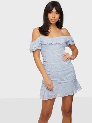 NLY Trend Singoalla Flounce Dress