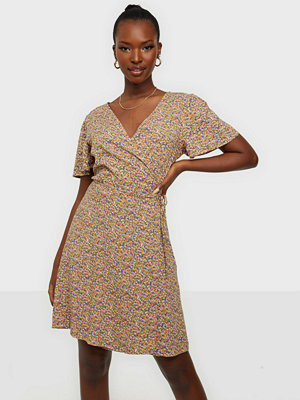 Jacqueline de Yong JDYSTAAR LIFE S/S WRAP DRESS WVN