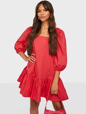Glamorous Square Neck Half Sleeve Dress