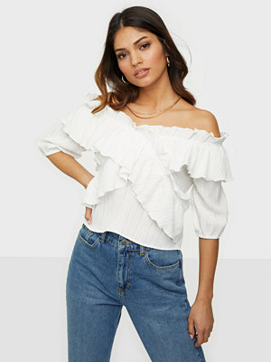 NLY Trend Frill Off Shoulder Blouse