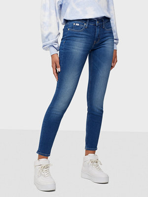 Calvin Klein Jeans Mid Rise Skinny Ankle