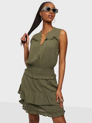 Only ONLDITTE SL SMOCK DNM DRESS FF