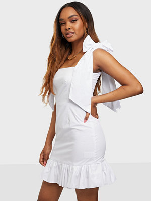 Festklänningar - Glamorous Square Neck Mini Dress