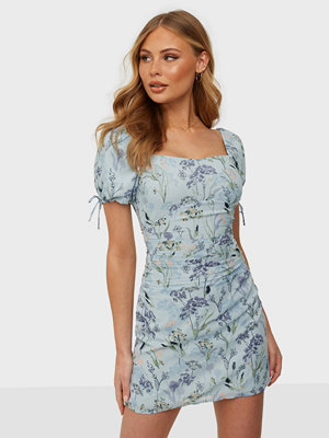 NLY Trend Ruched Puff Dress