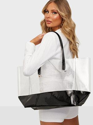 NLY Accessories svart väska Plastic Fantastic Shopper