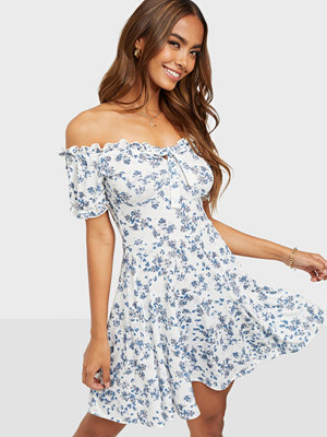 NLY Trend Floral Tie Dress