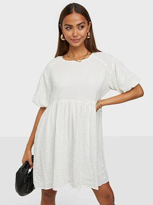 Glamorous Short Puff Sleeve Dress