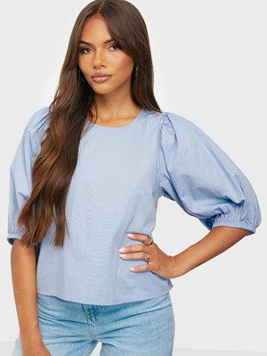 Gina Tricot Sara open back blouse