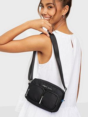 Tommy Jeans svart väska TJW Fashion Nylon Crossover