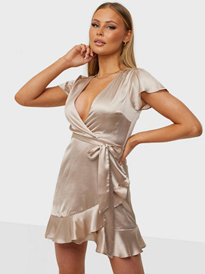 NLY Trend Perfect Moment Dress