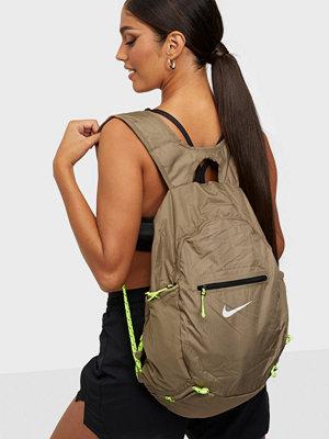 Nike omönstrad väska NK STASH BKPK
