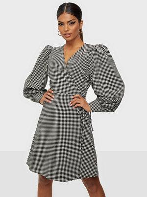 Selected Femme SLFCHARLIE LS SHORT WRAP DRESS B