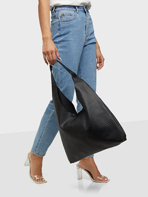Pieces svart väska PCJINA SHOULDER BAG D2D