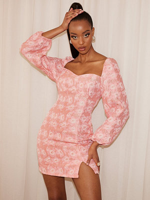 NLY Trend Brocade Puff Sleeve Dress