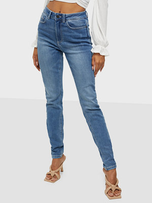 Noisy May NMCALLIE HW CHIC JEANS VI128MB S*
