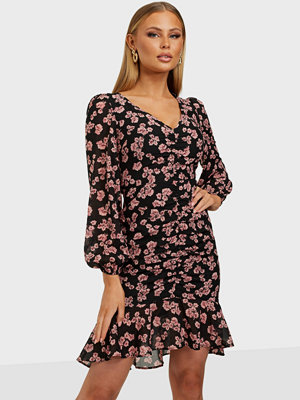 NLY Trend Romantic Vibe Floral Dress